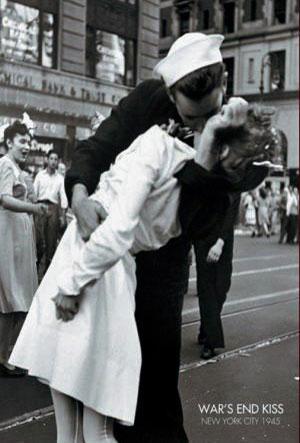 PP344B-KISSING-THE-WAR